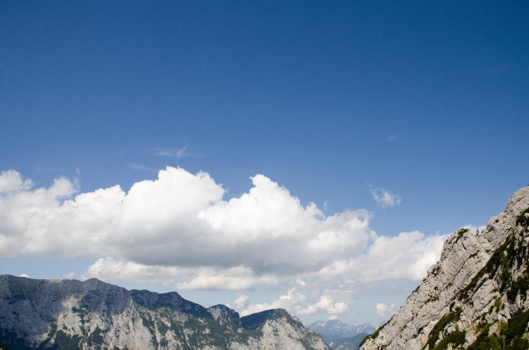 weit oben in den Bergen